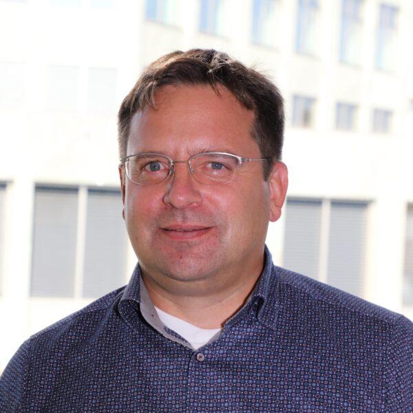 Andreas Fischer Q-min